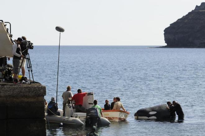 Momento del rodaje de 'El faro de las orcas'.