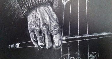 Tocando el chelo - LaDanzaVital.es (c) Roberto Sastre Quintano