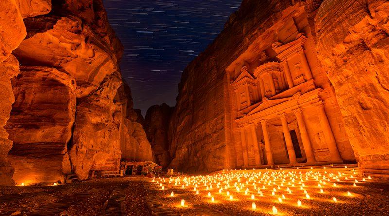 Foto: Elia Locardi: 'Petra by night'