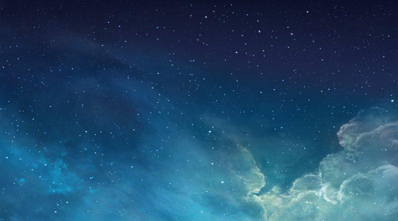cielo, nubes y estrellas