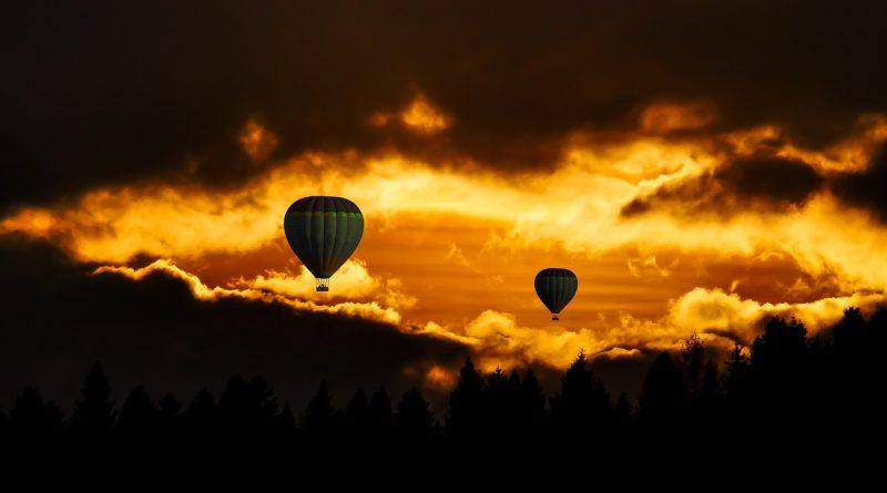 viajando en globo (Fuente: Pixabay.com - Gerhard Gellinger)