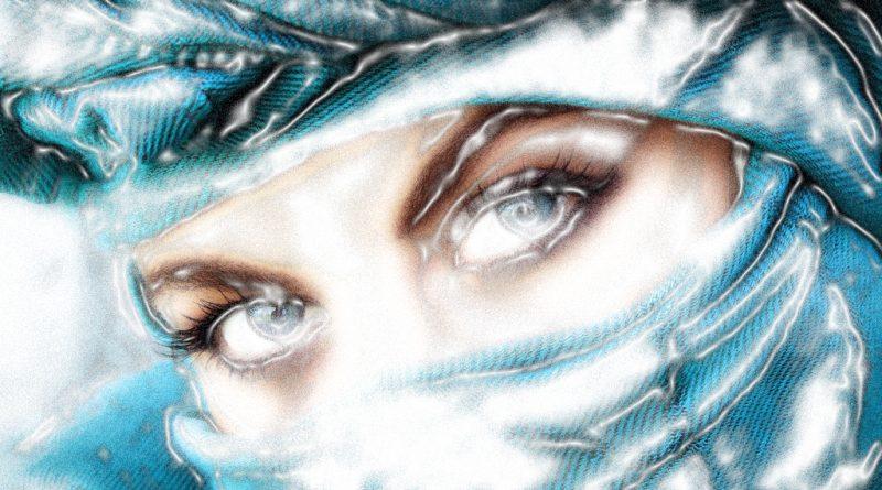 Mirada de mujer bajo un velo