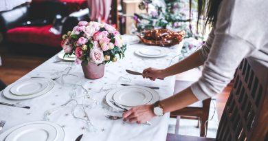 Poner la mesa (Fuente: Pixabay.com)