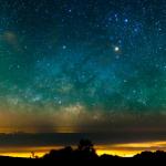 Cielo estrellado sobre horizonte (Fuente: futurism.com)