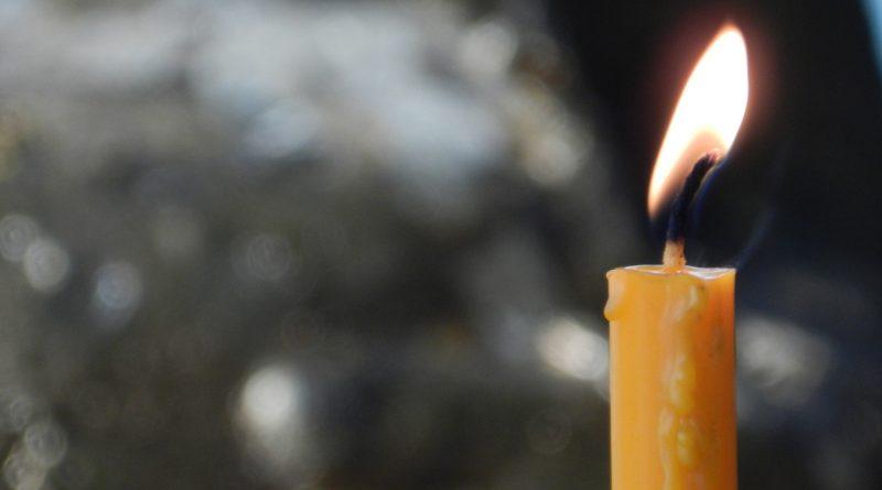 Vela encendida - zen 1225449 (Fuente: Pixabay.com - AntonioG)